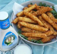 Mozzarella sticks with ranch dressing